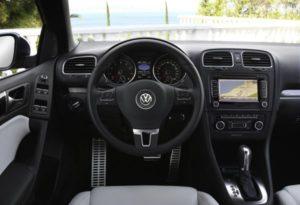 Fahrgastraum des neuen VW Golf Cabriolet