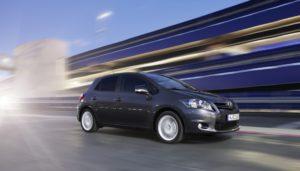 Mehr sicherheit für Fußgänger-Toyota entwickelt Sicherheitstechnologien weiter