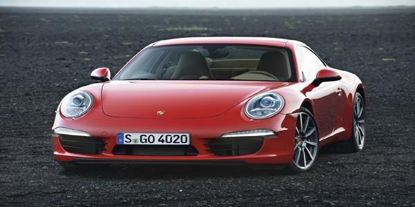 Porsche 911 Carrera vs