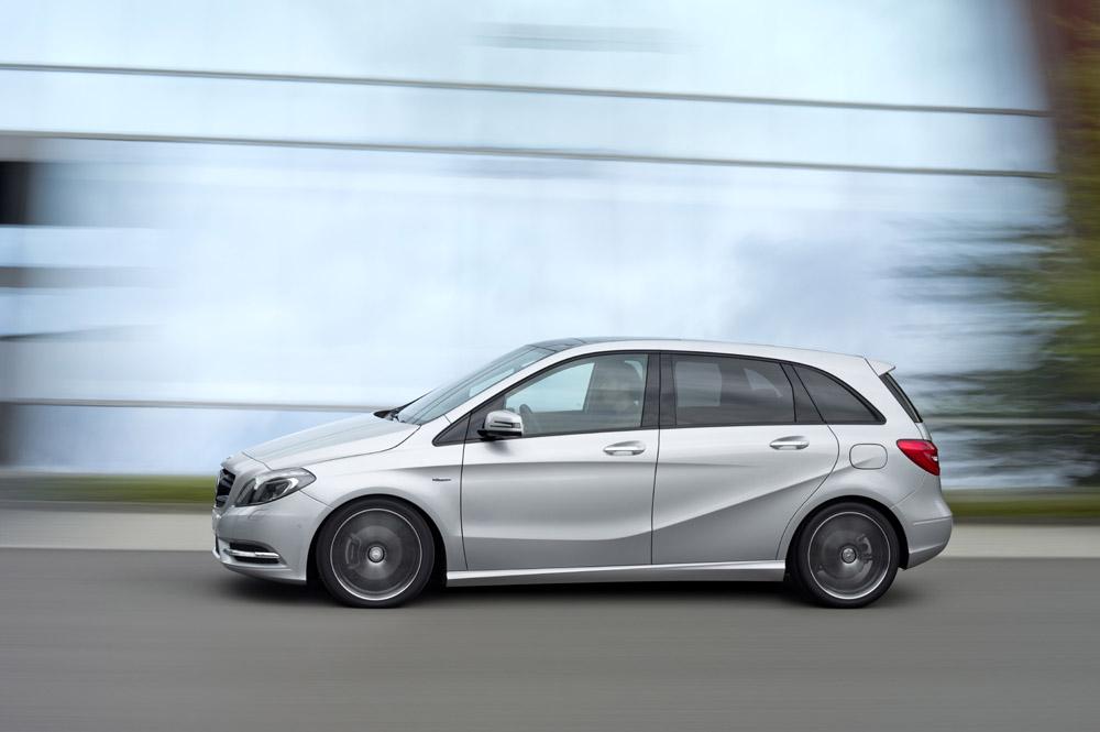 Neue B-Klasse von Mercedes-Verkausstart im November 2011 zum Preis des Vorgängermodells