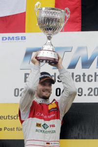 Freude über Sieg und Führung in der Fahrerwertung bei Martin Tomczyk nach dem Sieg in Brands Hatch