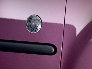Logo des Peugeot 107 Sondermodell Envy