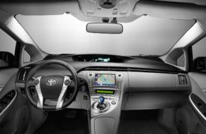 Cockpit des neuen Toyota Prius Modell 2012