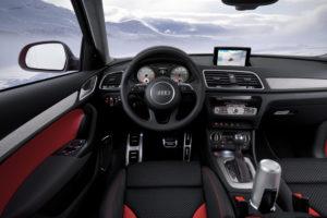 Sportliches Cockpit im Audi Q3 Vail