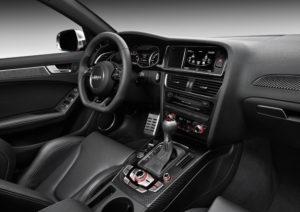 Innenraum des neuen Audi RS 4 Avant 2012