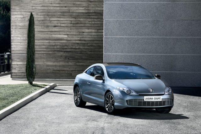 Renault Laguna Coupe 2012 mit neuem LED Tagfahrlicht in den Scheinwerfern