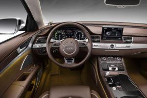 Innenraum Audi A8 hybrid Bose Soundsystem ist Serie