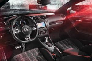 Innenraum des neuen VW Golf GTI Cabriolet