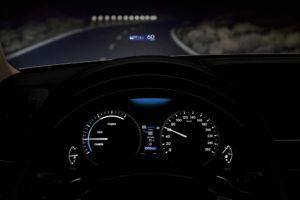 LEXUS GS verbessertes Head up Display mit zusätzlichen Funktionen