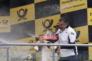 Riesige Freude bei Teamchef Charly Lamm BMW Schnitzer Team am Lausitzring über Bruno Spenglers Sieg