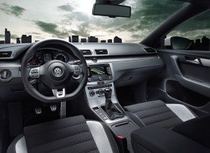 Innenraum VW Passat mit R-Line Designpaket