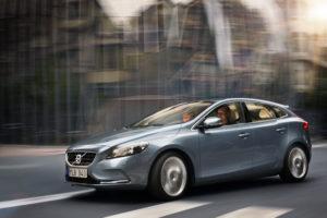 Volvo V40 Modell 2012 erstes Fahrzeug mit Fußgänger Airbag der Welt