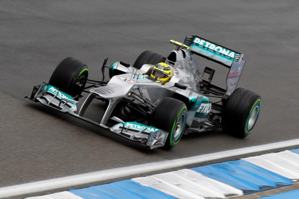 Nico Rosberg im ersten Training auf Platz 1