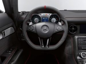 SLS AMG Coupe Black Series Cockpit mit Bang & Olufsen BeoSound System
