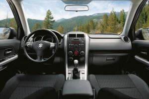 Suzuki Grand Vitara Facelift 2012 Innenraum mit neuer Soundanlage und neuem Navi