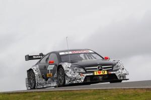 Vitaly Petrov testet DTM Mercedes C-Coupe im portugiesischen Portimao