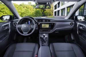 Innenraum Toyota Auris 2015