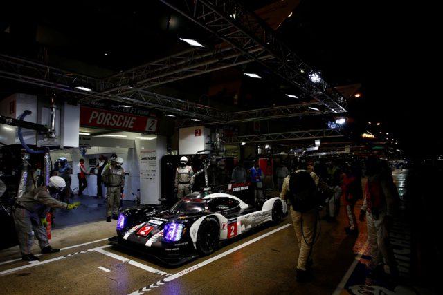 24 Stunden von Le Mans Porsche geht von der Pole in die 24 H