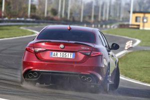 Alfa-Romeo Giulia-Quadrifoglio Modell 2016 Doppel Duplex Auspuff lässt die Power der Giulia erahnen