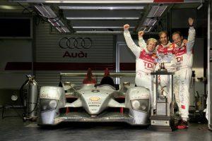Frank Biela, Emanuele Pirro und Marco Werner gewannen 2006 im Audi R10 TDI die 24 Stunden von Le Mans