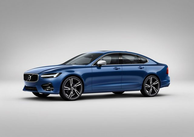 Volvo S90 R-Design stellen die sportlichen Merkmale besonders in den Fokus