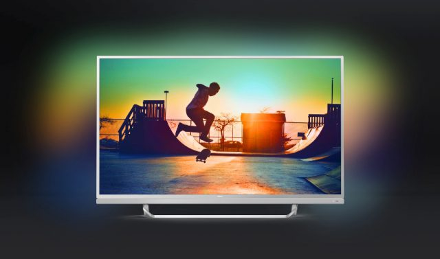 Philips Ambilight TV PUS6482 mit Visible Sound Soundbar