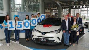 Toyota C-HR war das 150.000ste Hybridfahrzeug welches an Kunden übergeben wurde