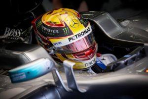 F1 Silberpfeil Pilot Lewis Hamilton