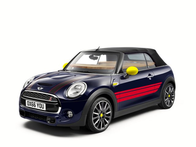 MINI Cabrio mit John Cooker Works Paket