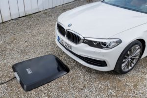 BMW 530e iPerformance BMW Wireles Charging