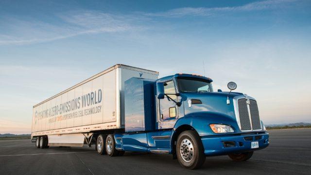 Toyota hat einen wasserstoffbasierten Brennstoffzellenantrieb speziell für schwere Lkw präsentiert