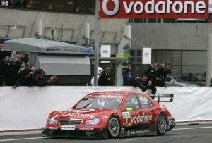 DTM 2006 in Le Mans. Bernd Schneider auf Mercedes-Benz C-Klasse DTM-Tourenwagen holt seinen fünften DTM-Titel