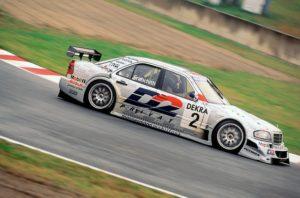 ITC-Rennen in Suzuka (1. Lauf), 10.11.1996. Der Sieger Dario Franchitti (Startnummer 2) mit einem AMG Mercedes C-Klasse Rennsport-Tourenwagen