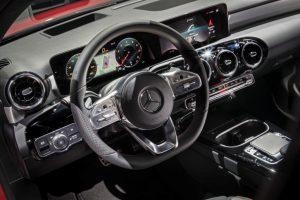Neue A-Klasse Cockpit -Innenraum Foto : © Mercedes