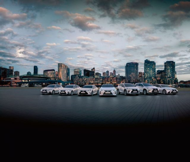 Lexus Hybrid Familiei Bis zu 6.000 Euro Hybrid- und Umweltprämie für Diesel-Umsteiger Foto: © Lexus