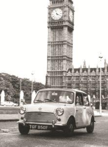 Morris Mini Cooper S Mk II, 1968 in London Foto: © BMW AG