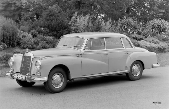 Mercedes-Benz 300 Limousine (intern Typ 300 d, W 189, 1957 bis 1962) Foto: © Daimler AG