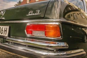 """Mercedes-Benz 300 SEL 6.3 (W 109), gebaut von 1968 bis 1972. Exterieur, Schriftzug """"6.3"""" auf der rechten Seite des Kofferraumdeckels © Daimler AG"""
