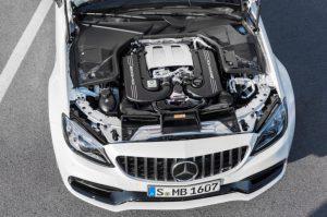 Mercedes-AMG C 63 S Coupé mit AMG Night Paket und AMG Carbon-Paket II Motor/Motorraum © Daimler AG