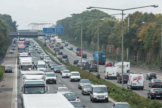Stau auf Autobahn; A3; Autobahnkreuz Leverkusen © ADAC