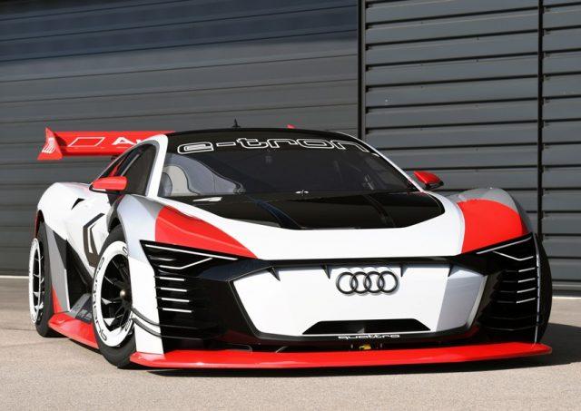 Audi e-tron Vision Gran Turismo als Renntaxi in der Formel E © Audi Communications Motorsport