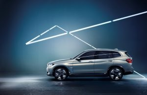 BMW Concept iX3 Seitenansicht © BMW AG