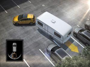 VW Golf mit Trailer Assist beim einparken © Volkswagen AG