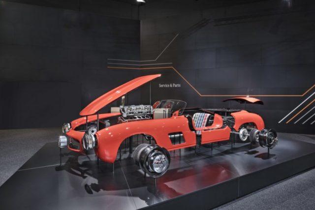 """Ersatzteile für den Mercedes-Benz 300 SL """"Gullwing"""" (W 198, 1954 bis 1957): Zahlreiche wichtige Teile sind in originaler Werksqualität erhältlich. Foto der Präsentation auf der Techno Classica 2018. © Daimler AG"""