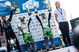 Das Skoda AUTO Deutschland Duo Fabian Kreim/Frank Christian (D/D) feiert auf Gran Canaria den ersten gemeinsamen Podestplatz in der FIA Rallye-Europameisterschaft (ERC). Links daneben: Rallye-Gesamtsieger Alexey Lukyanuk (Russland). © Skoda Motorsport