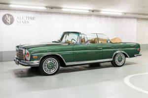 Mercedes-Benz 280 SE 3.5 Cabriolet, Baujahr 1971, aus dem Fahrzeugangebot von ALL TIME STARS, dem Fahrzeughandel von Mercedes-Benz Classic. Der Typ ist das Topmodell der W 111 Cabriolets, die von 1961 bis 1971 gebaut werden © Daimler AG