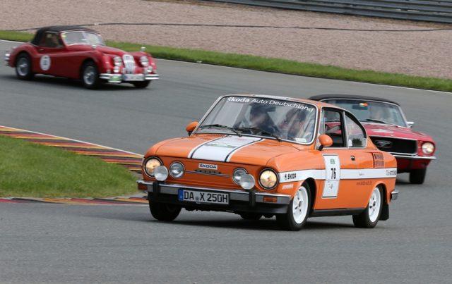 Als einziges Sportcoupé des Ostens einst begehrter Traumwagen, heute Sympathieträger bei den Sachsenring Classic: der SKODA 110 R. © Skoda