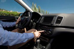 Autofahren im Sommer mit Klimaanlage © Seat