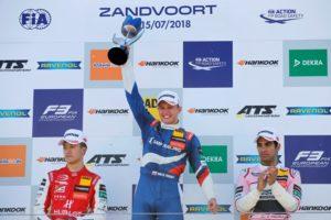 Formel 3 Zandvoort Rennen 3 Podium 16 Nikita Troitckii (RUS, Carlin, Dallara F317 - Volkswagen © F3 EM