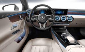 Mercedes-Benz A-Klasse Limousine Innenraun-Cockpit © Daimler AG